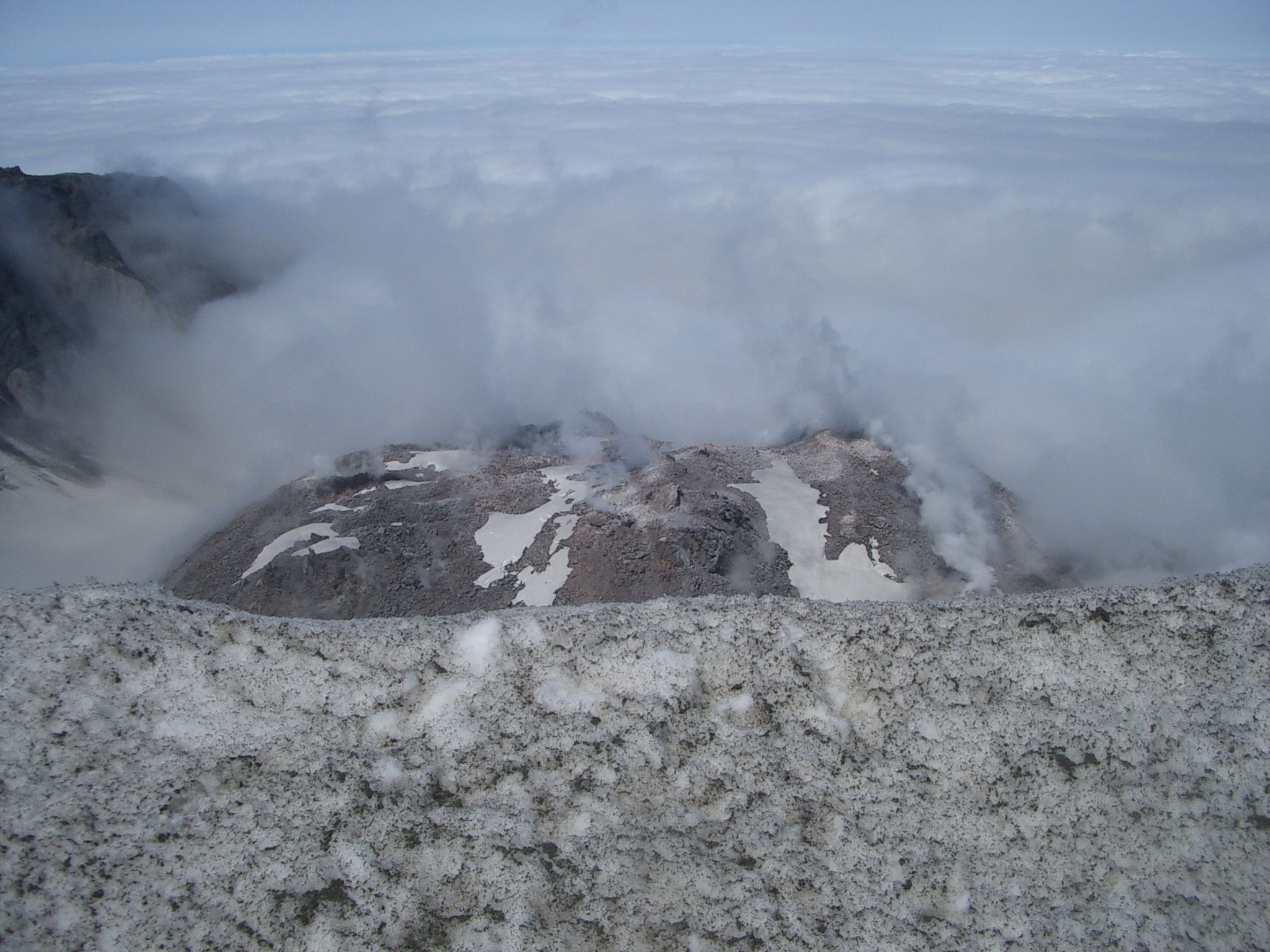 Mt. St. Helens crater and lava dome 2009